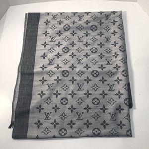 Beautiful Silk Louis Vuitton Scarf